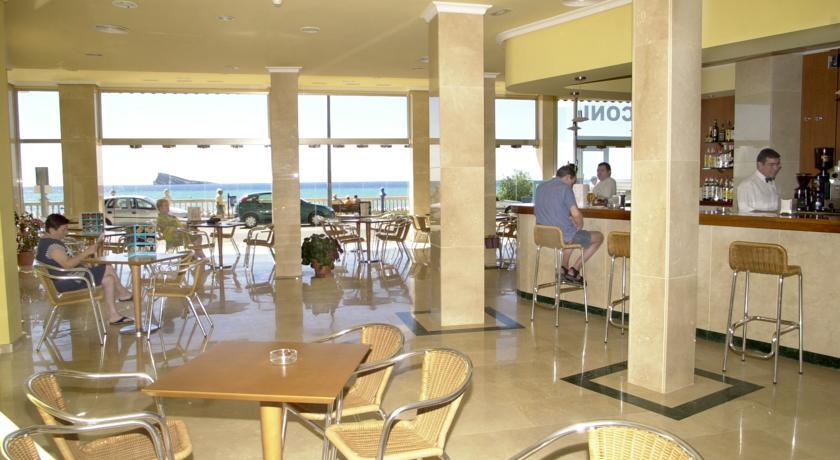Hotel marconi hoteles baratos en benidorm con vistas al mar for Hoteles con habitaciones familiares en benidorm